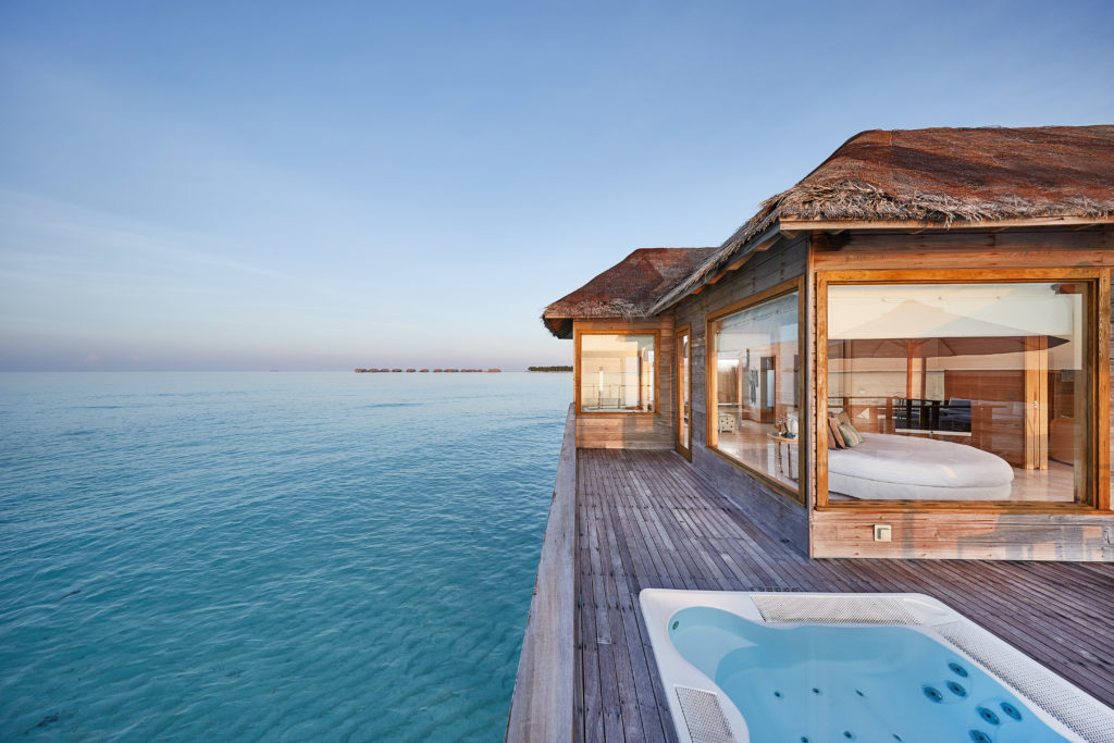 CONRAD MALDIVES RANGALI ISLAND_Villas_Sunset Water Villa_Deck_Day_credit Justin Nicholas_high res