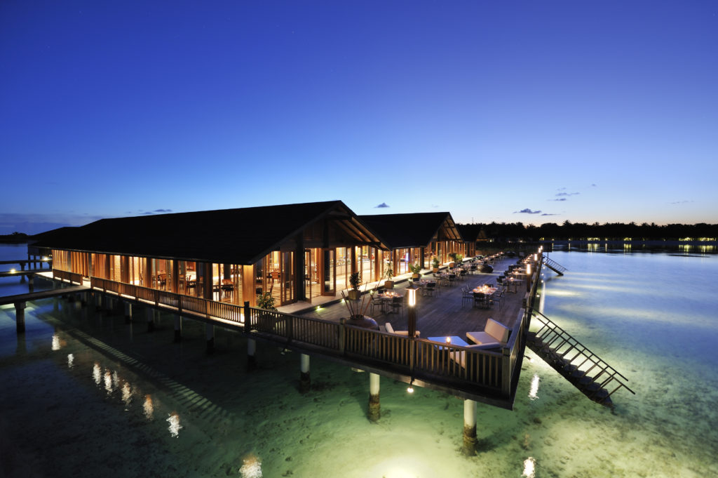 Paradise_Island_Lagoon Restaurant 01